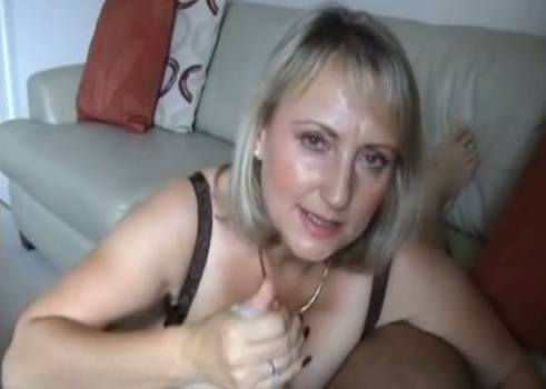 michelles-nylons-blowjob-video