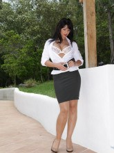 Desyra Noir pictures gallery - White Nylons
