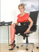 Lady Sonia in fishnet pantyhose