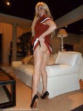 Saskia Nylon Leg Show gallery
