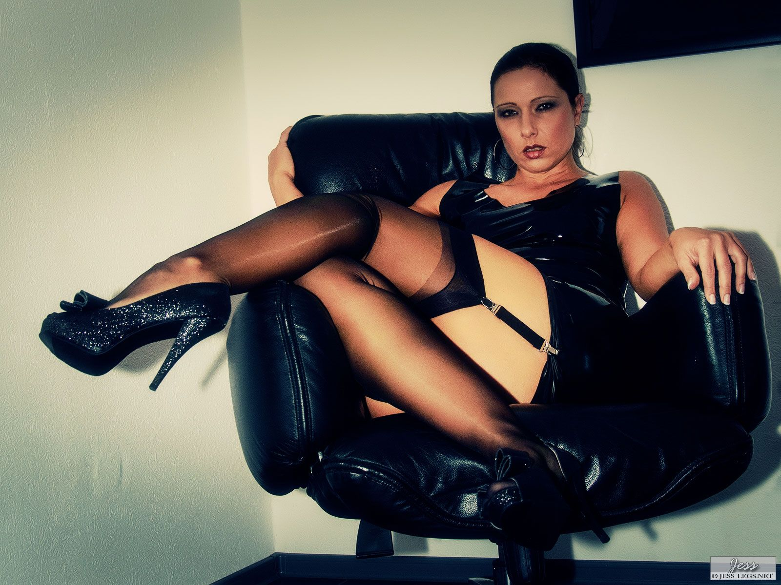 Latex and stockings pictures – Jess Legs