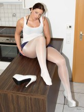 Jess-Legs.net pictures - White pantyhose