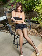 Ronis Paradise free pictures - Roni in black pantyhose
