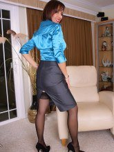 Roni's Paradise pics - Roni in corset and stockings