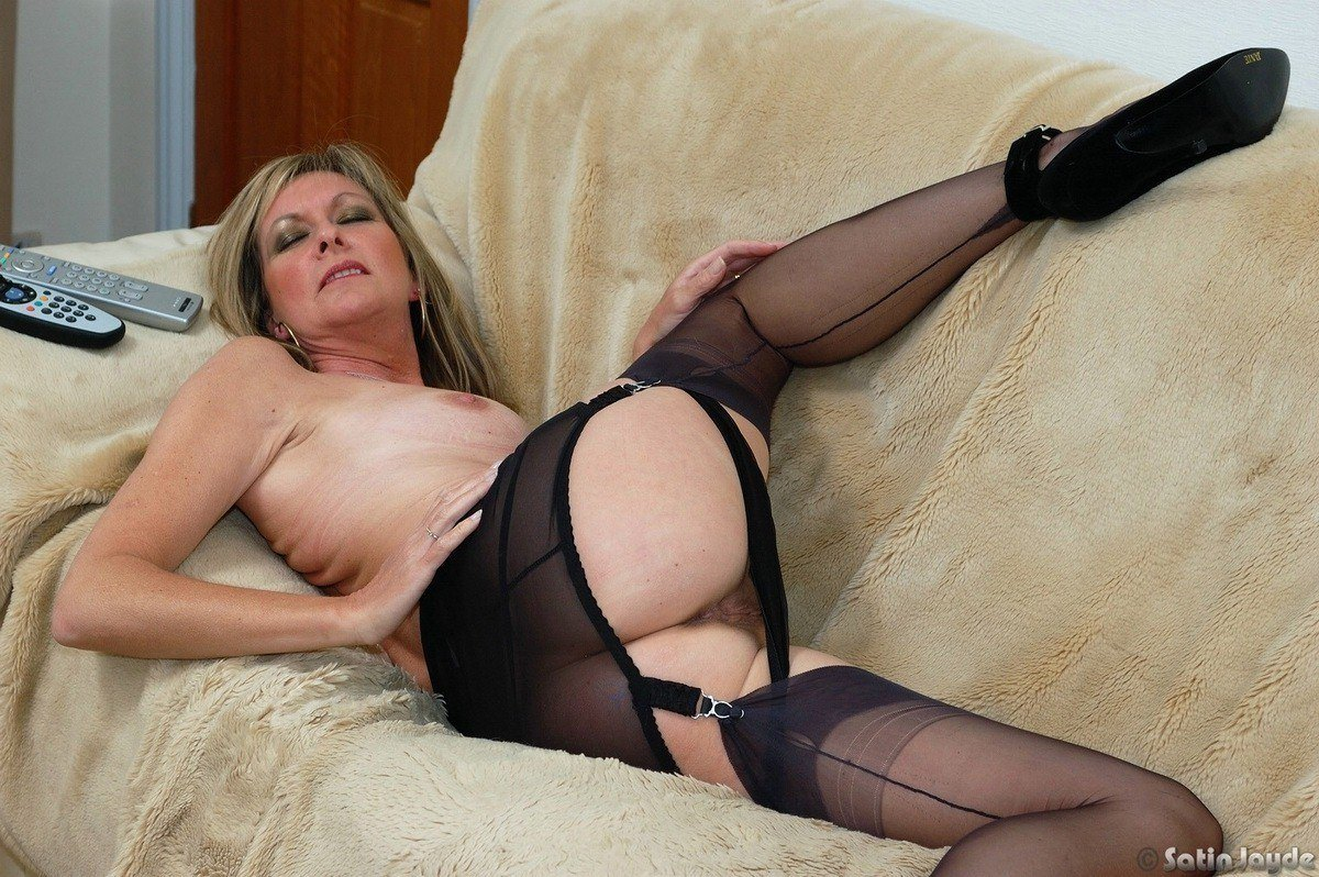 Pantie satin upskirt has