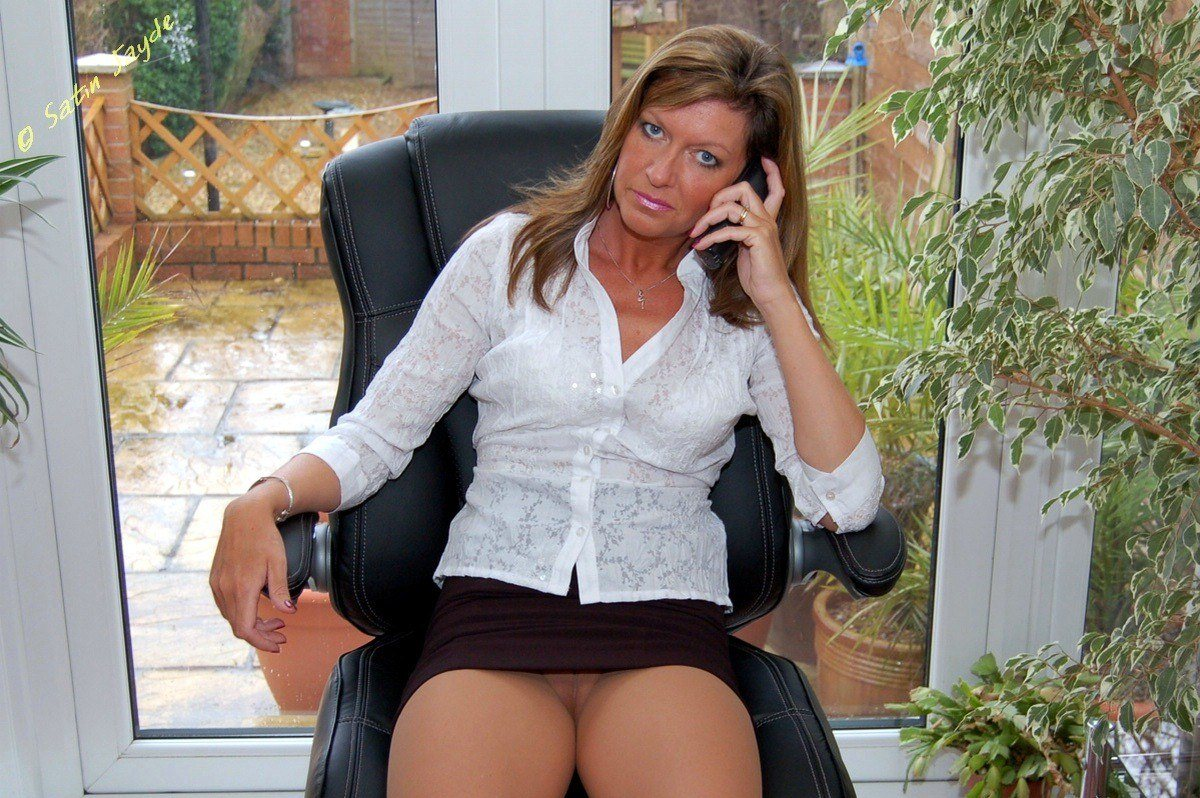 Satin Jayde pictures – Sheer tan hose business lady