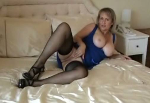 michelles-nylons-free-video