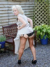 Jan Nylons Sex pictures - Mature in white nylons
