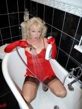 Nylon Sue gallery - Wet nylons in the bathroom