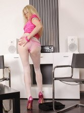 alina-heels-patterned-pantyhose-11