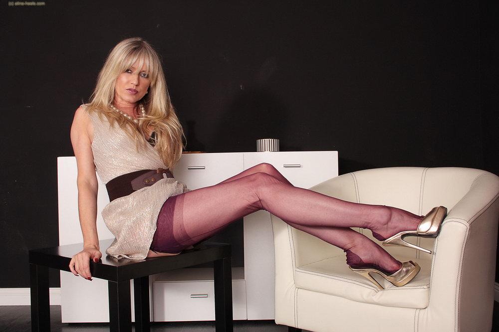 Transgender nude models