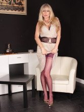 Alina Heels images: Hot blonde in pantyhose