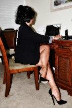 Amanda Nylons picrures Big tits secretary in shiny stockings