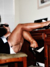 Amanda Nylons picrures Big tits secretary in shiny stockings